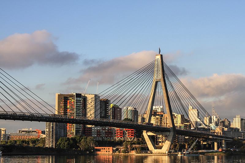 تأشيرة مؤقتة إلى أستراليا