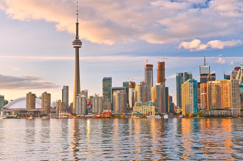 الإقامة المؤقتة: التأشيرات الميسرة إلى كندا